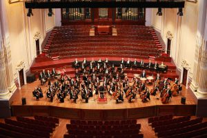 Pic: Tom Finnie (28.10.2011) The Royal Scottish National Orchestra on stage at the Usher Hall with conductor Peter Ounjian.